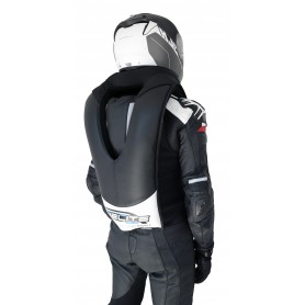 Chaleco airbag Helite modelo GP Air negro-blanco